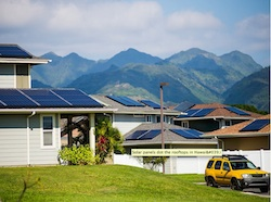 Solar panels dot the rooftops of homes in Salt Lake on Oahu, Hawaiʻi. Photo Credit: MATT MALLAMS / EARTHJUSTICE