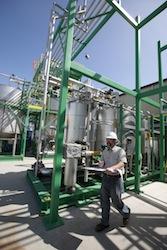 Edeniq Plant Employee3