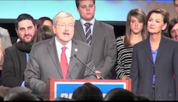 IA Gov Branstad Lt Gov Reynolds Photo Des Moines Register