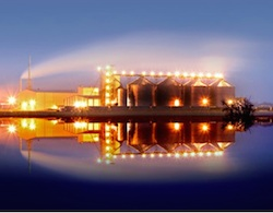 Edeniq facility at night