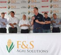 Summit CEO Bruce Rastetter speaks at groundbreaking